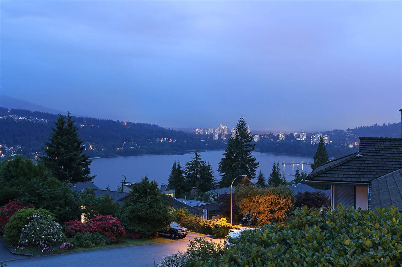 Main Photo: 530 YALE Road in Port Moody: College Park PM House for sale : MLS®# R2171738