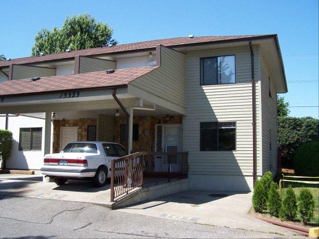 Main Photo: 13323 71B AV in Surrey: Home for sale : MLS®# F2614534