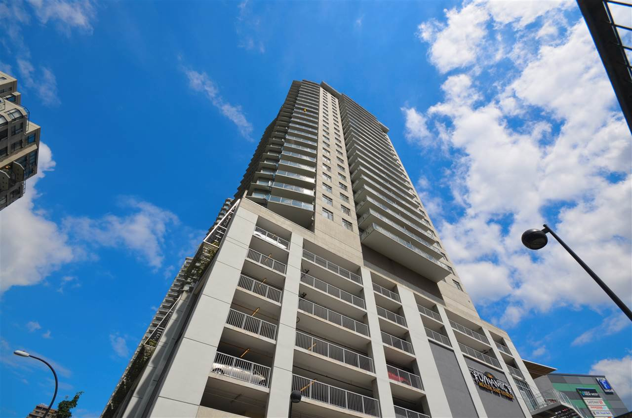 """Main Photo: 1201 898 CARNARVON Street in New Westminster: Downtown NW Condo for sale in """"AZURE 1"""" : MLS®# R2176437"""