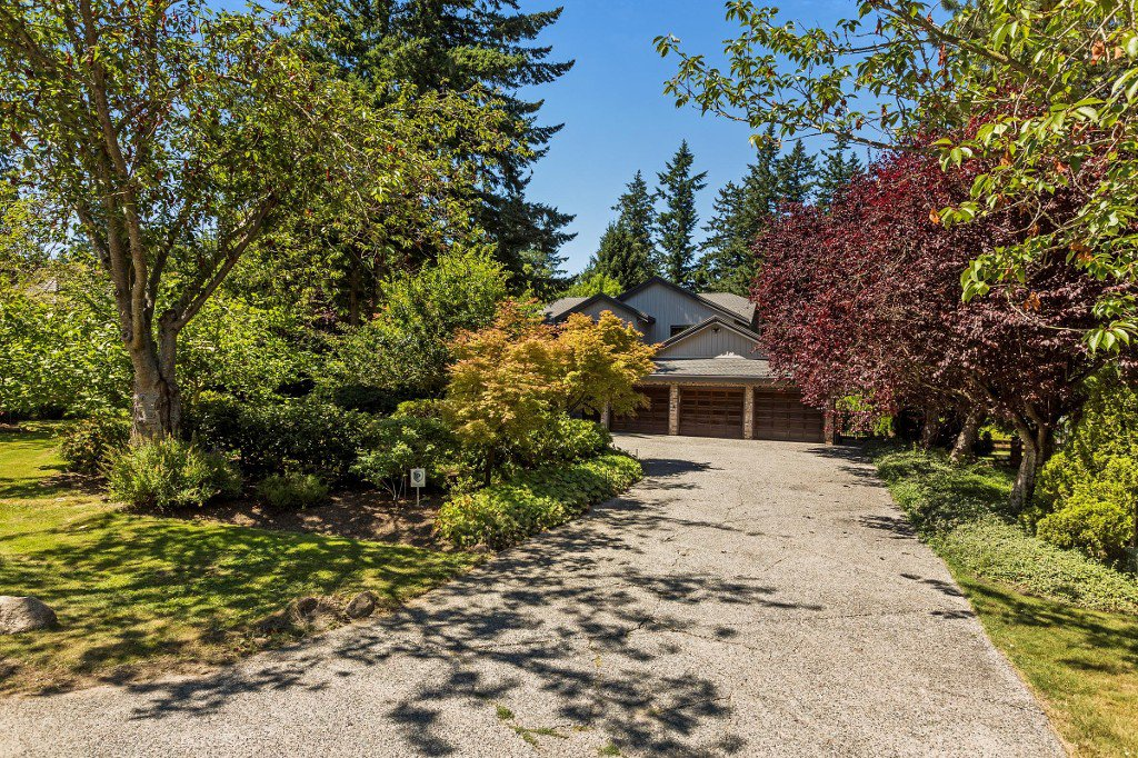 "Main Photo: 2683 NORTHCREST Drive in Surrey: Sunnyside Park Surrey House for sale in ""Woodshire Park"" (South Surrey White Rock)  : MLS®# R2185453"