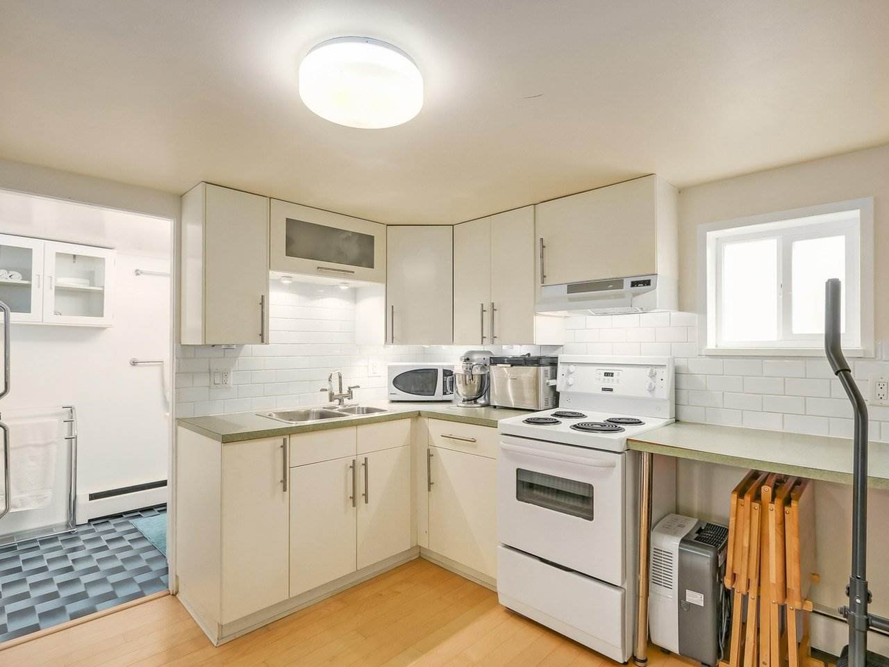 Photo 17: Photos: 1761 E 13TH AVENUE in Vancouver: Grandview VE House for sale (Vancouver East)  : MLS®# R2202018