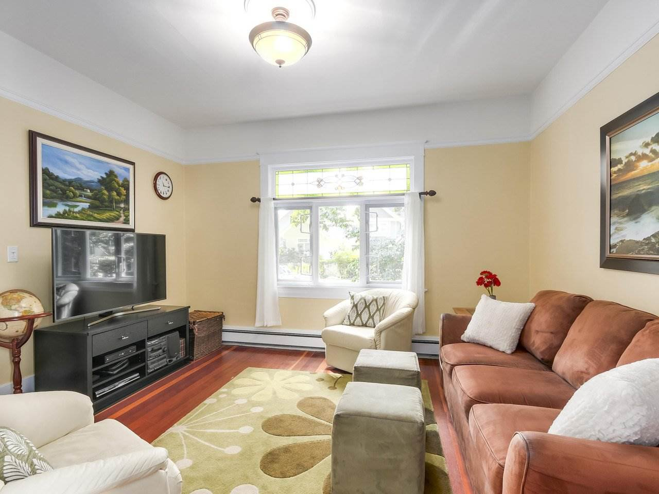 Photo 4: Photos: 1761 E 13TH AVENUE in Vancouver: Grandview VE House for sale (Vancouver East)  : MLS®# R2202018