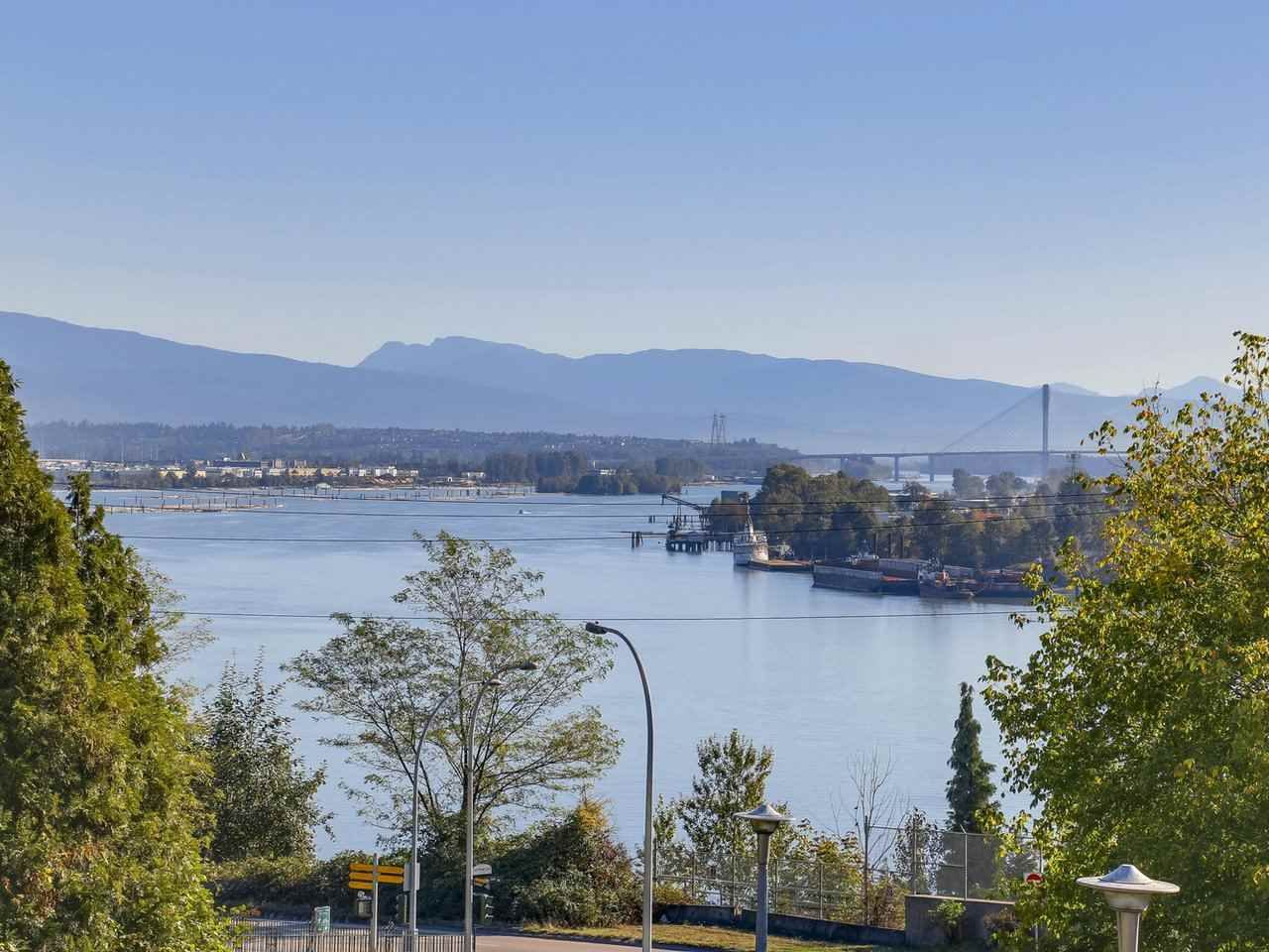 "Main Photo: 101 38 LEOPOLD Place in New Westminster: Downtown NW Condo for sale in ""EAGLECREST"" : MLS®# R2211476"