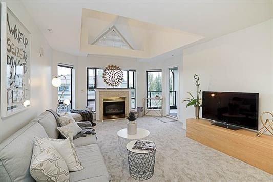 "Main Photo: 308 15241 18 Avenue in Surrey: King George Corridor Condo for sale in ""Cranberry Lane"" (South Surrey White Rock)  : MLS®# R2225068"