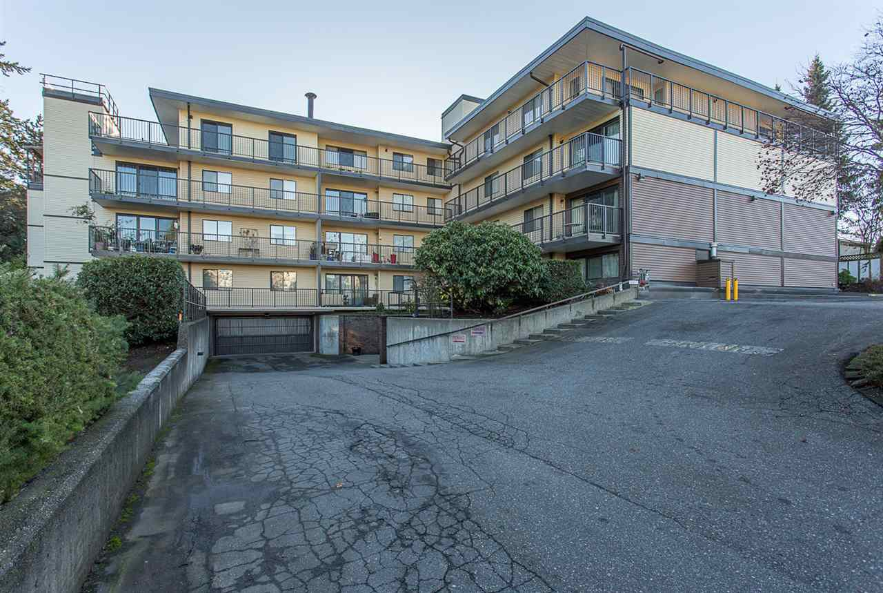 Main Photo: 104 32110 TIMS Avenue in Abbotsford: Abbotsford West Condo for sale : MLS®# R2226784