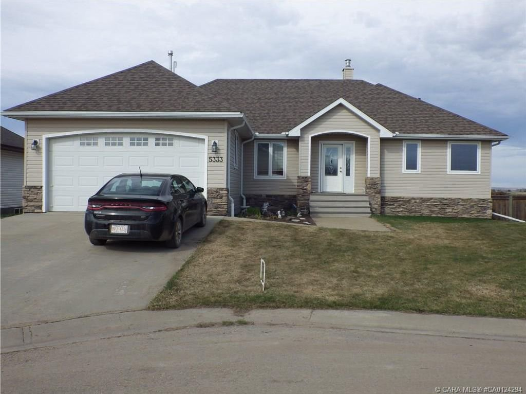 Main Photo: 5333 Drader Crescent in Rimbey: RY Rimbey Residential for sale (Ponoka County)  : MLS®# CA0124294