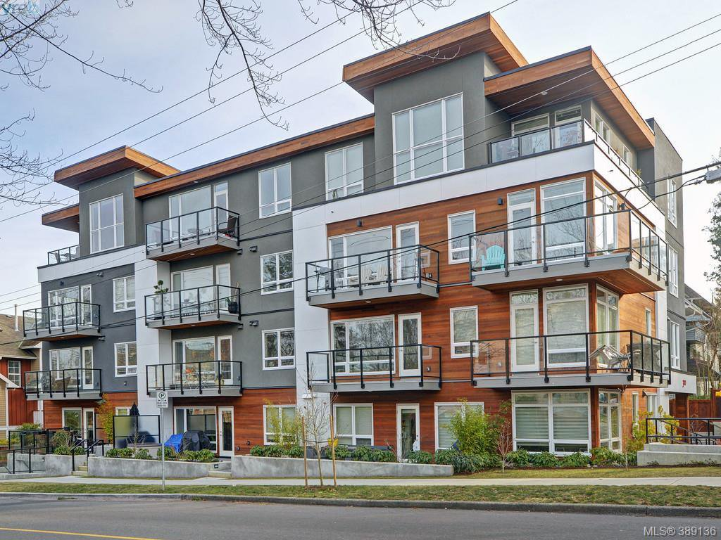 Main Photo: 102 300 Michigan St in VICTORIA: Vi James Bay Condo for sale (Victoria)  : MLS®# 782017