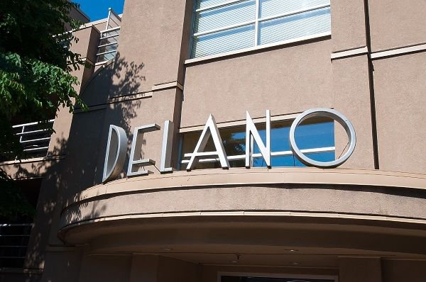 "Photo 2: Photos: 407 3023 W 4TH Avenue in Vancouver: Kitsilano Condo for sale in ""Delano"" (Vancouver West)  : MLS®# R2253854"