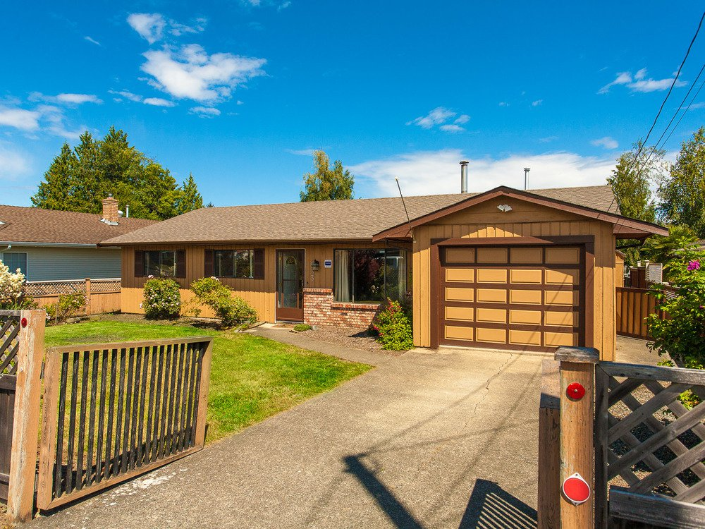 Main Photo: 533 Hirst Ave in Parksville: House for sale : MLS®# 412278