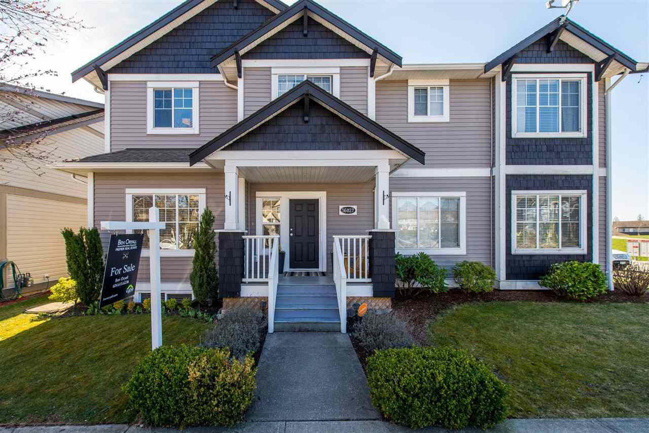 "Main Photo: 36027 STEPHEN LEACOCK Drive in Abbotsford: Abbotsford East House 1/2 Duplex for sale in ""Auguston"" : MLS®# R2352990"