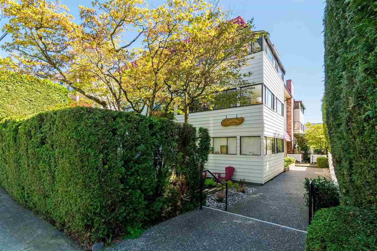 "Main Photo: 102 15070 ROPER Avenue: White Rock Condo for sale in ""Sandpiper"" (South Surrey White Rock)  : MLS®# R2362723"
