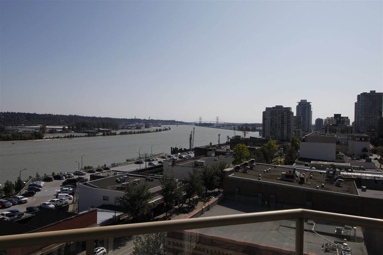"Main Photo: 502 328 CLARKSON Street in New Westminster: Downtown NW Condo for sale in ""HIGHBOURNE TOWER"" : MLS®# R2395845"