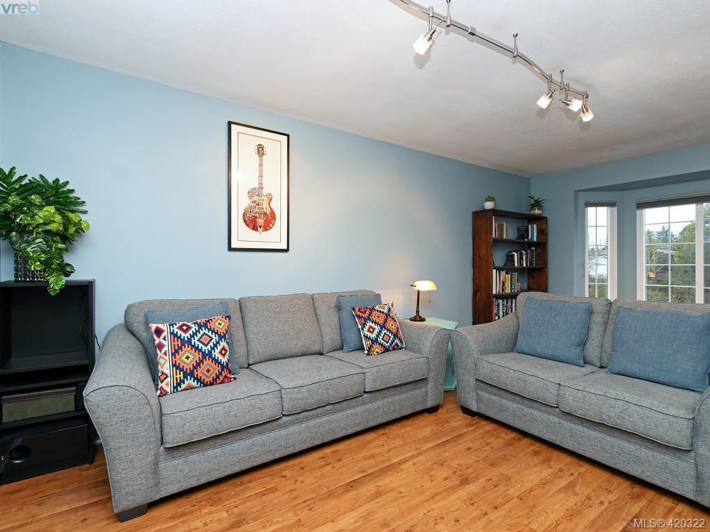 Main Photo: 3343 Hawkes Blvd in VICTORIA: Du West Duncan Half Duplex for sale (Duncan)  : MLS®# 752082