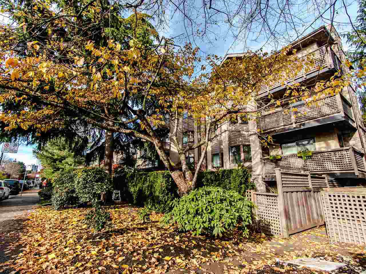 Main Photo: 207-1935 W 1st Avenue in Vancouver: Kitsilano Condo for sale (Vancouver West)  : MLS®# R2416967