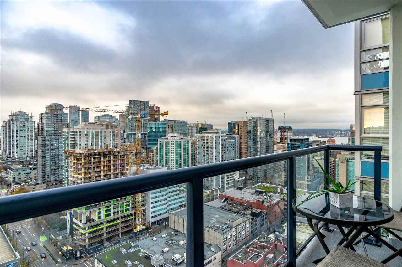 "Main Photo: 3507 928 BEATTY Street in Vancouver: Yaletown Condo for sale in ""MAX"" (Vancouver West)  : MLS®# R2437340"