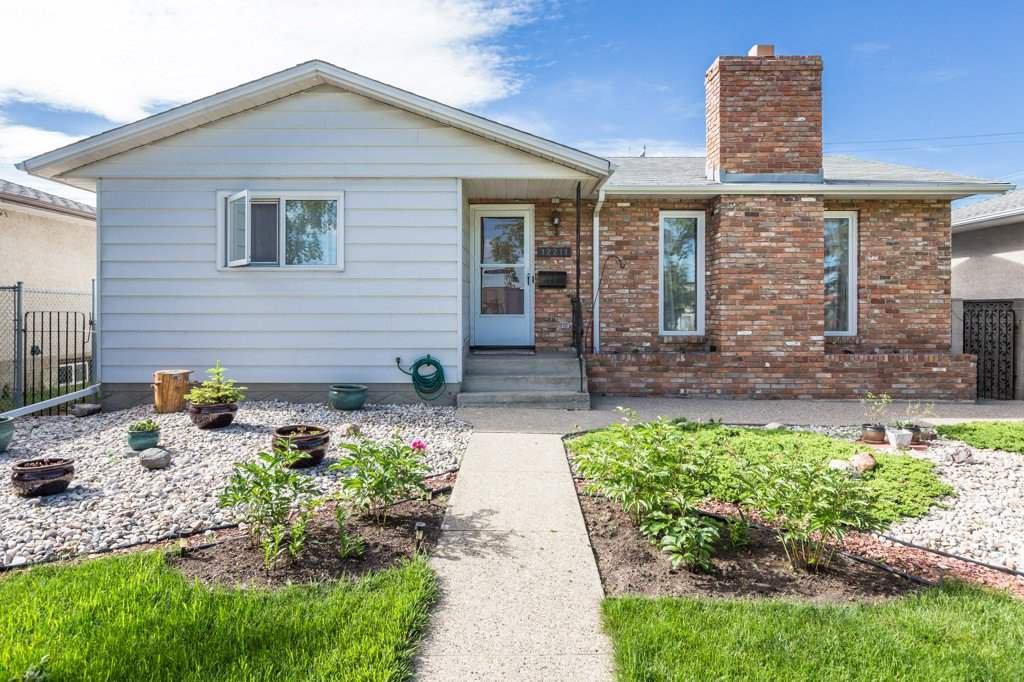 Main Photo: 12211 137 Avenue in Edmonton: Zone 01 House for sale : MLS®# E4203299