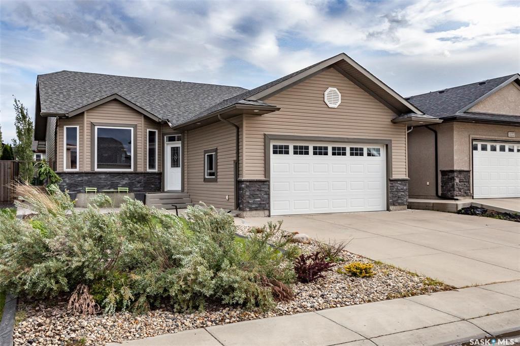 Main Photo: 1118 Paton Lane in Saskatoon: Willowgrove Residential for sale : MLS®# SK817538
