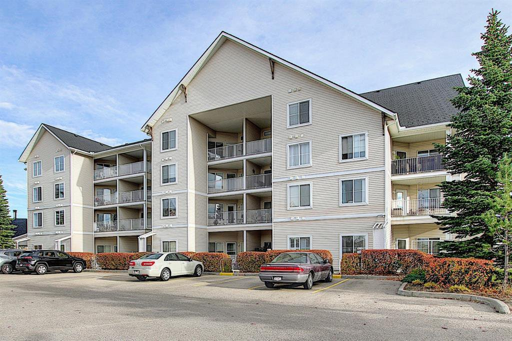 Main Photo: 102 305 1 Avenue NW: Airdrie Apartment for sale : MLS®# A1041463