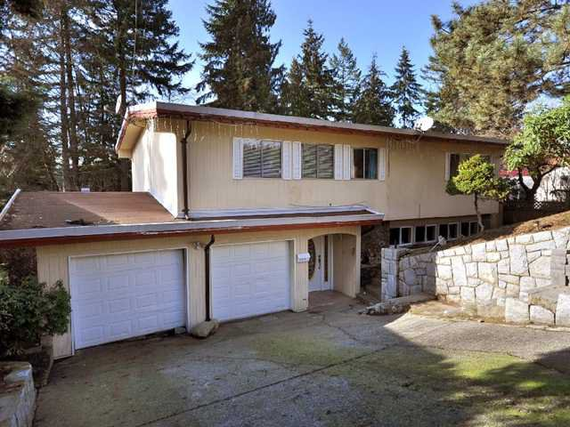 """Main Photo: 990 KINSAC Street in Coquitlam: Coquitlam West House for sale in """"COQUITLAM WEST"""" : MLS®# V869087"""