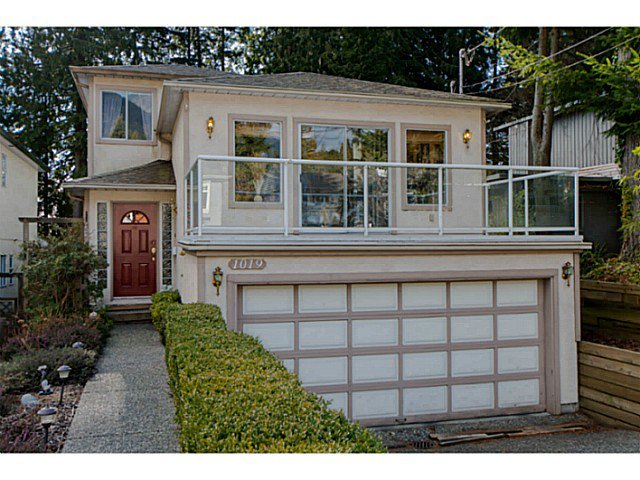 Main Photo: 1019 PROSPECT Avenue in North Vancouver: Canyon Heights NV House for sale : MLS®# V1046517