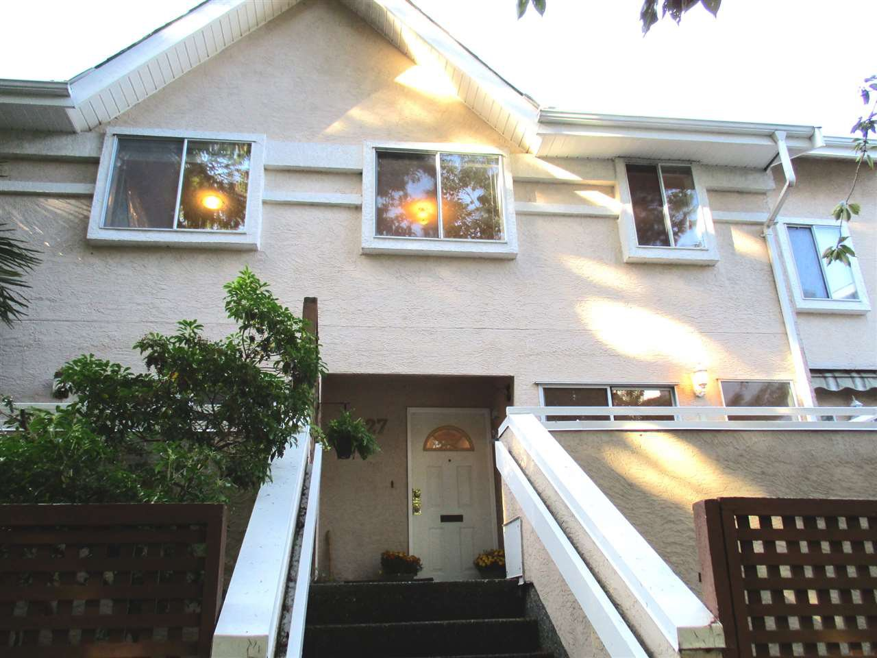 """Main Photo: 27 7311 MINORU Boulevard in Richmond: Brighouse South Townhouse for sale in """"PARC REGENT"""" : MLS®# R2000662"""