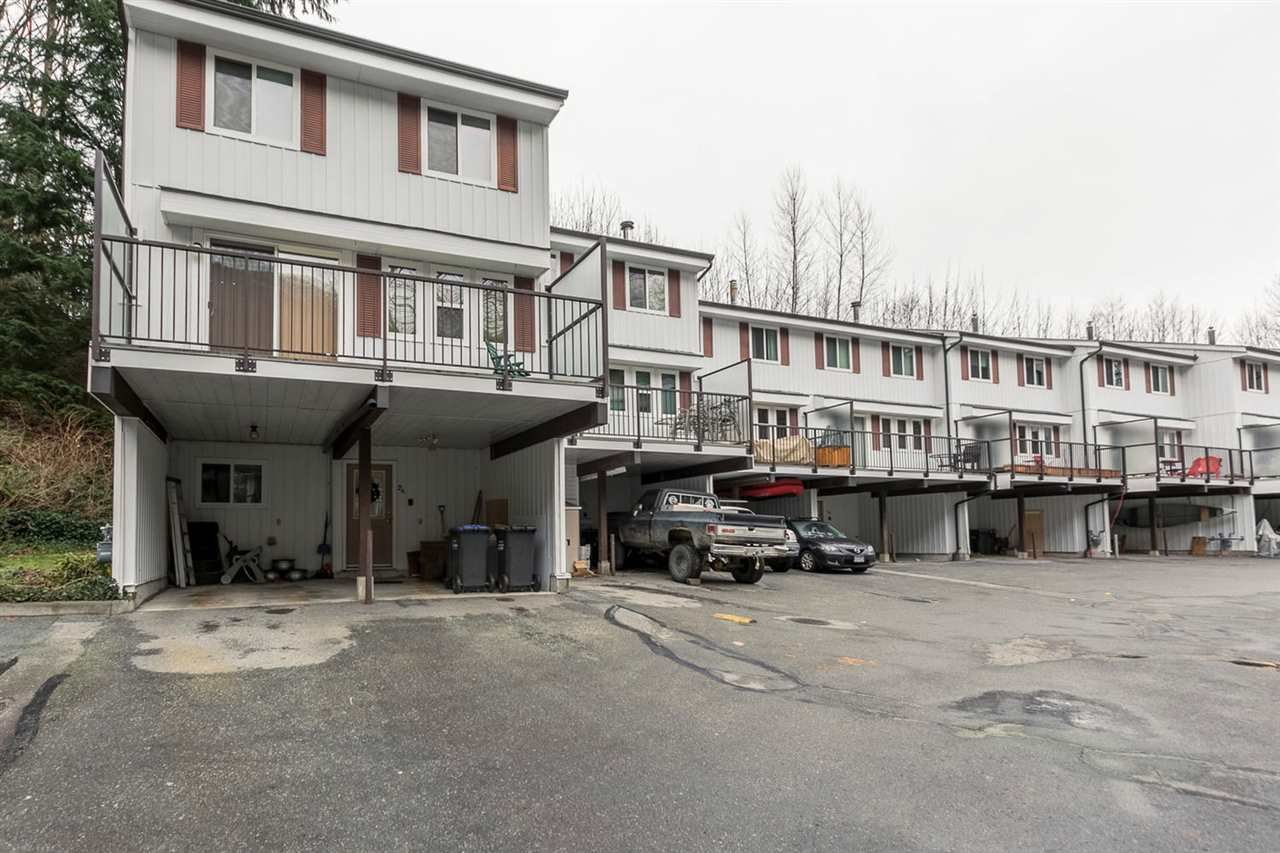 """Main Photo: 24 10000 VALLEY Drive in Squamish: Valleycliffe Townhouse for sale in """"VALLEYVIEW PLACE"""" : MLS®# R2020426"""