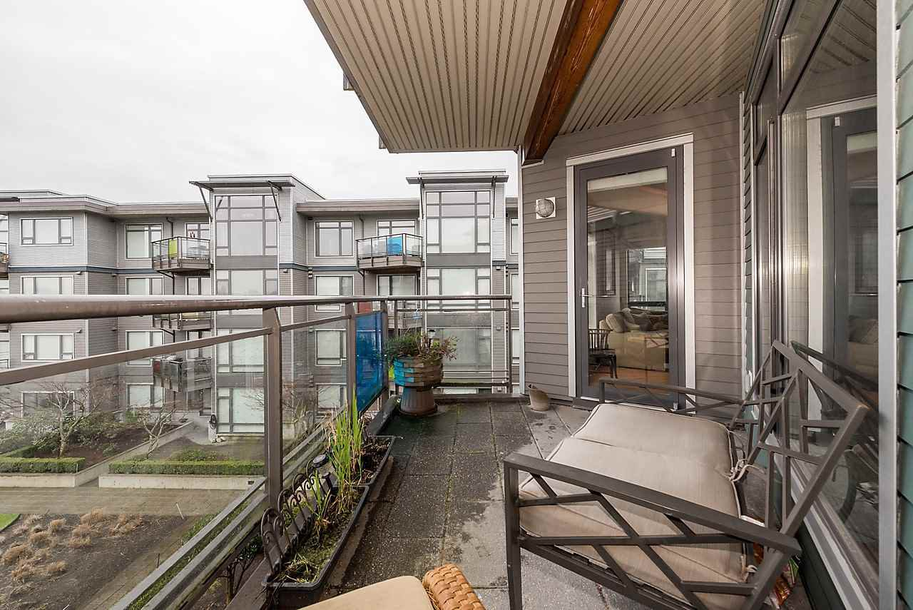 "Photo 17: Photos: 303 14200 RIVERPORT Way in Richmond: East Richmond Condo for sale in ""Waterstone Pier"" : MLS®# R2048862"