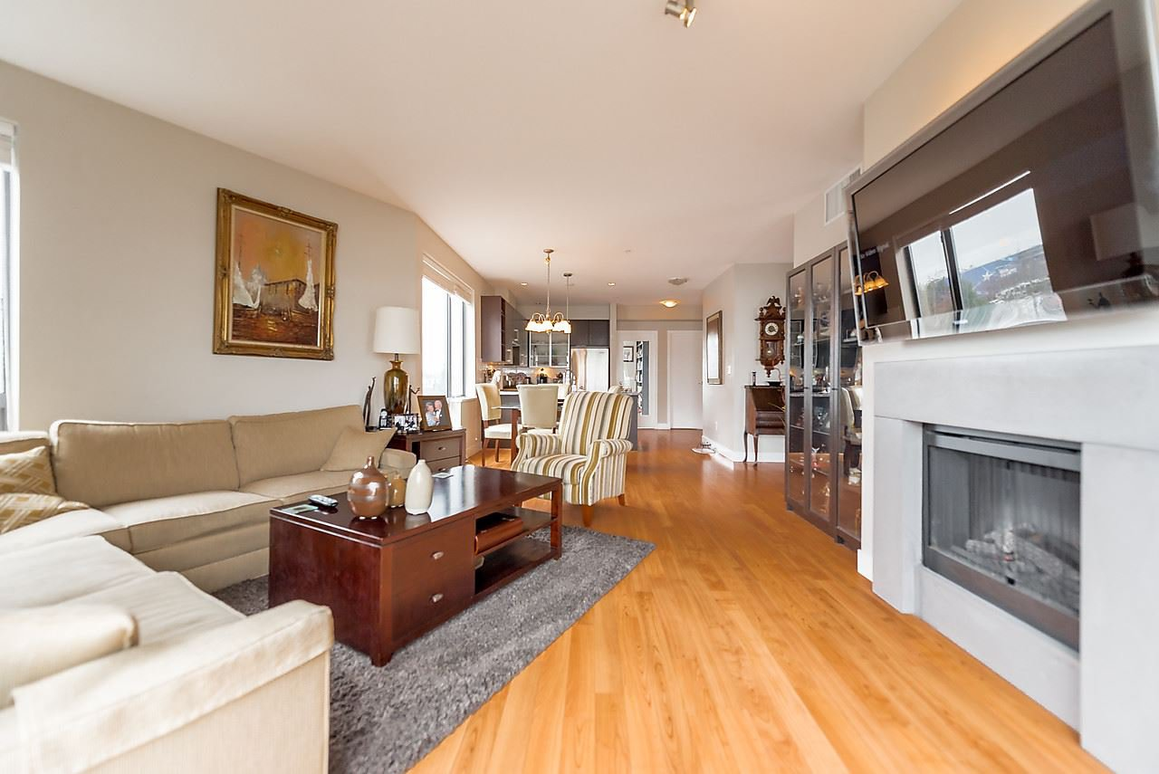 "Photo 5: Photos: 303 14200 RIVERPORT Way in Richmond: East Richmond Condo for sale in ""Waterstone Pier"" : MLS®# R2048862"