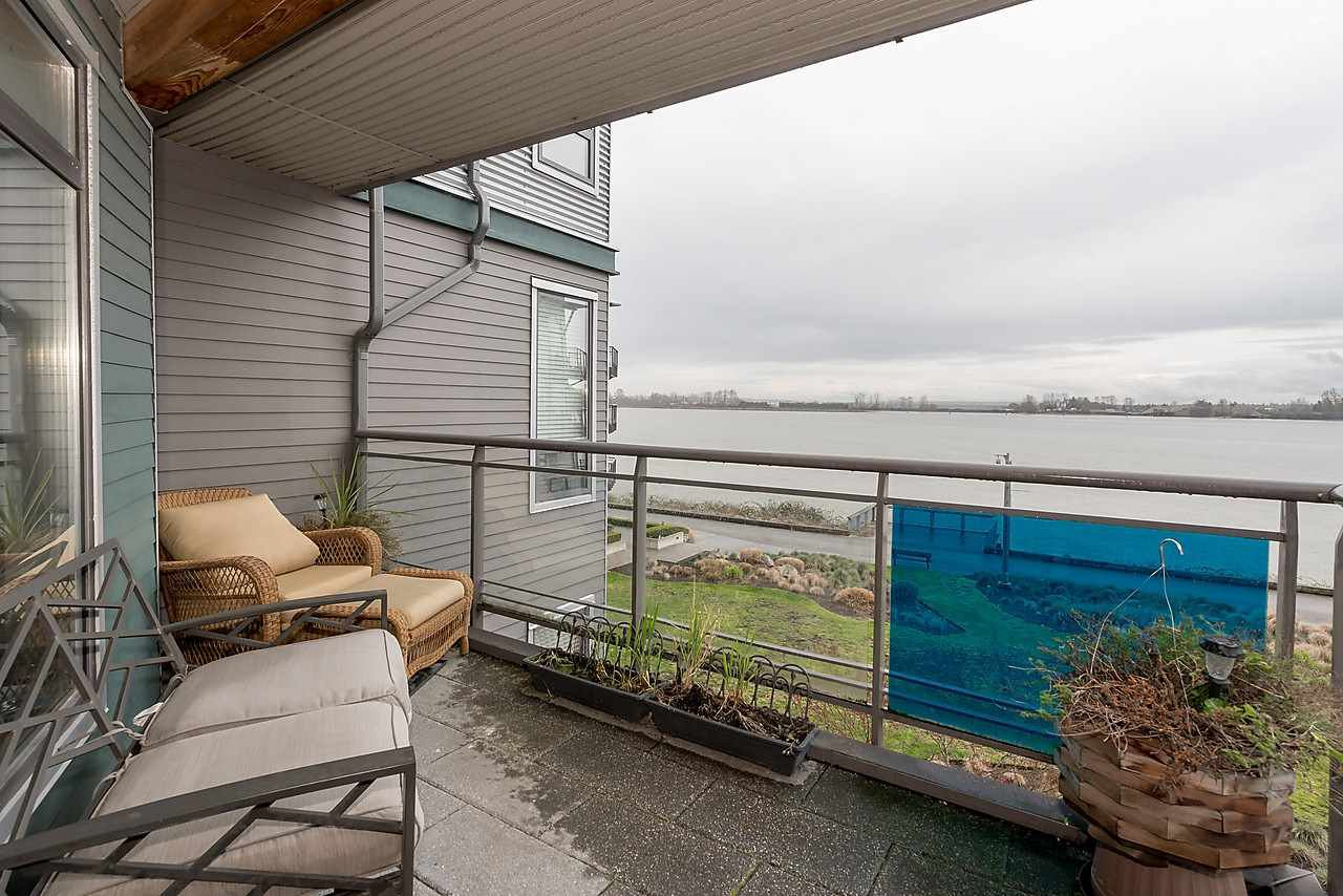 "Photo 16: Photos: 303 14200 RIVERPORT Way in Richmond: East Richmond Condo for sale in ""Waterstone Pier"" : MLS®# R2048862"