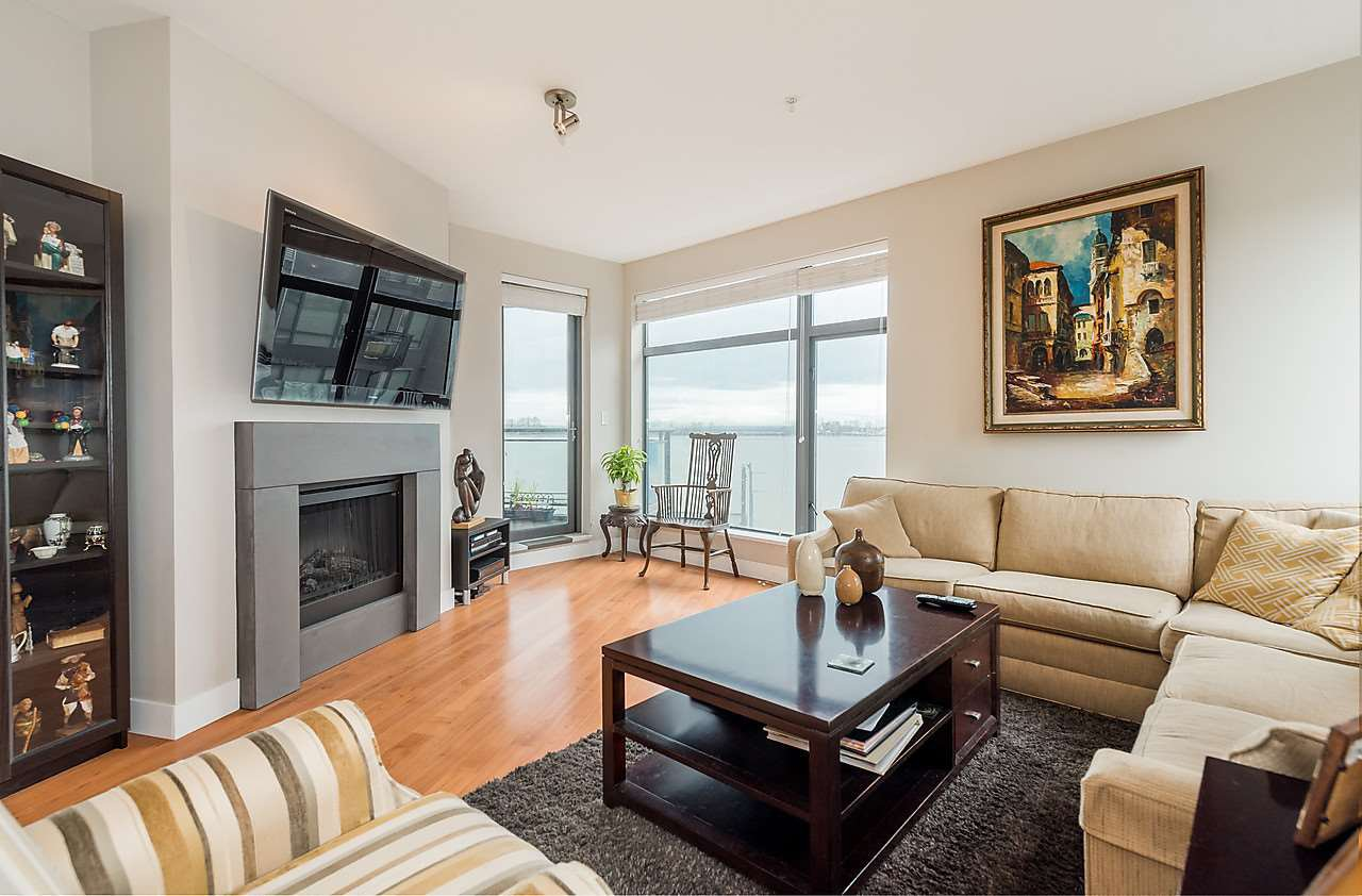"Photo 3: Photos: 303 14200 RIVERPORT Way in Richmond: East Richmond Condo for sale in ""Waterstone Pier"" : MLS®# R2048862"