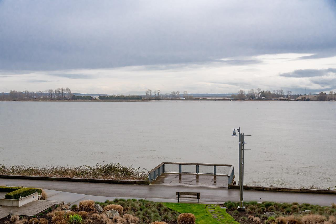 "Photo 20: Photos: 303 14200 RIVERPORT Way in Richmond: East Richmond Condo for sale in ""Waterstone Pier"" : MLS®# R2048862"