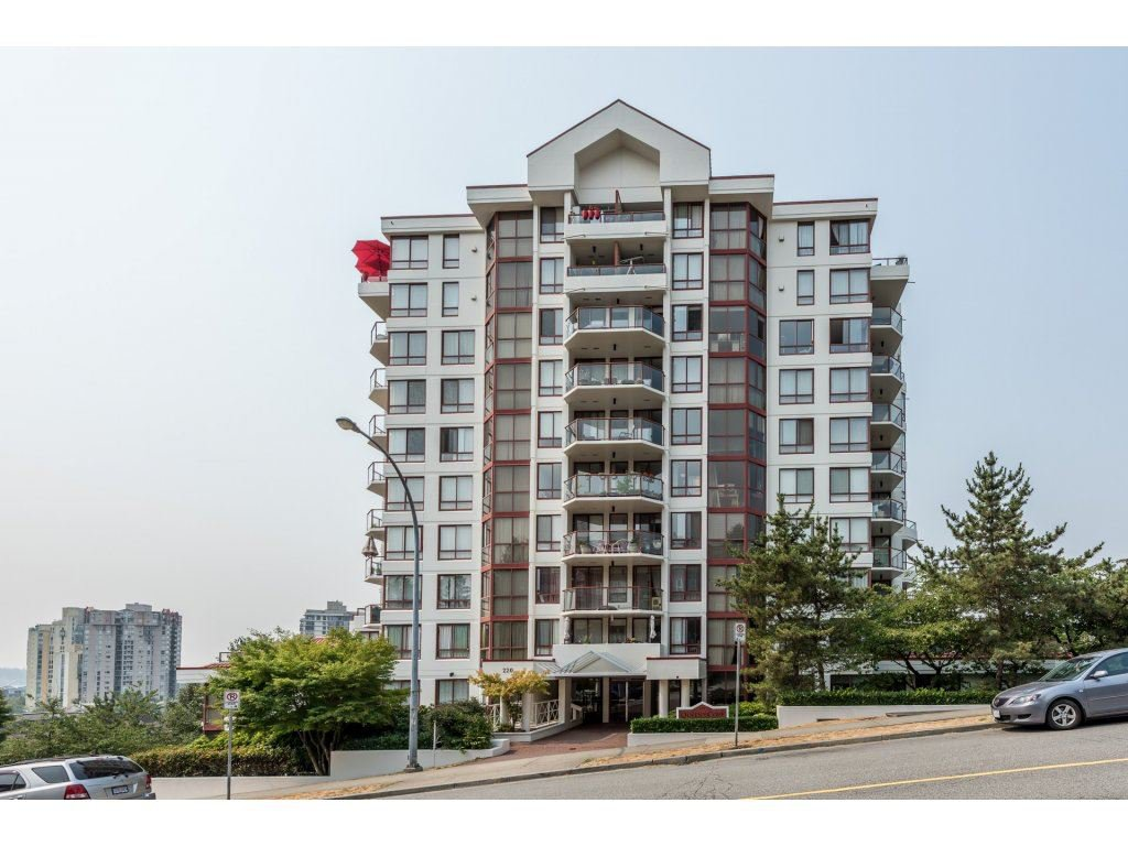 "Main Photo: 1204 220 ELEVENTH Street in New Westminster: Uptown NW Condo for sale in ""QUEEN'S COVE"" : MLS®# R2195000"
