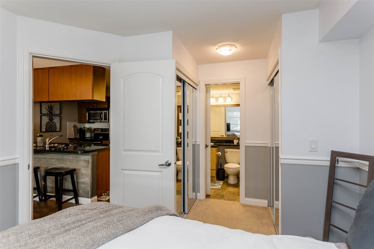 """Photo 15: Photos: 315 5516 198 Street in Langley: Langley City Condo for sale in """"Madison Villas"""" : MLS®# R2195202"""