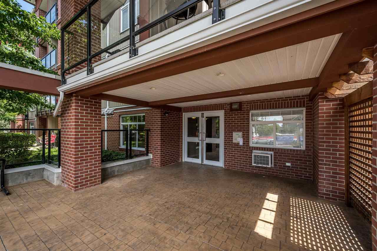 """Photo 2: Photos: 315 5516 198 Street in Langley: Langley City Condo for sale in """"Madison Villas"""" : MLS®# R2195202"""