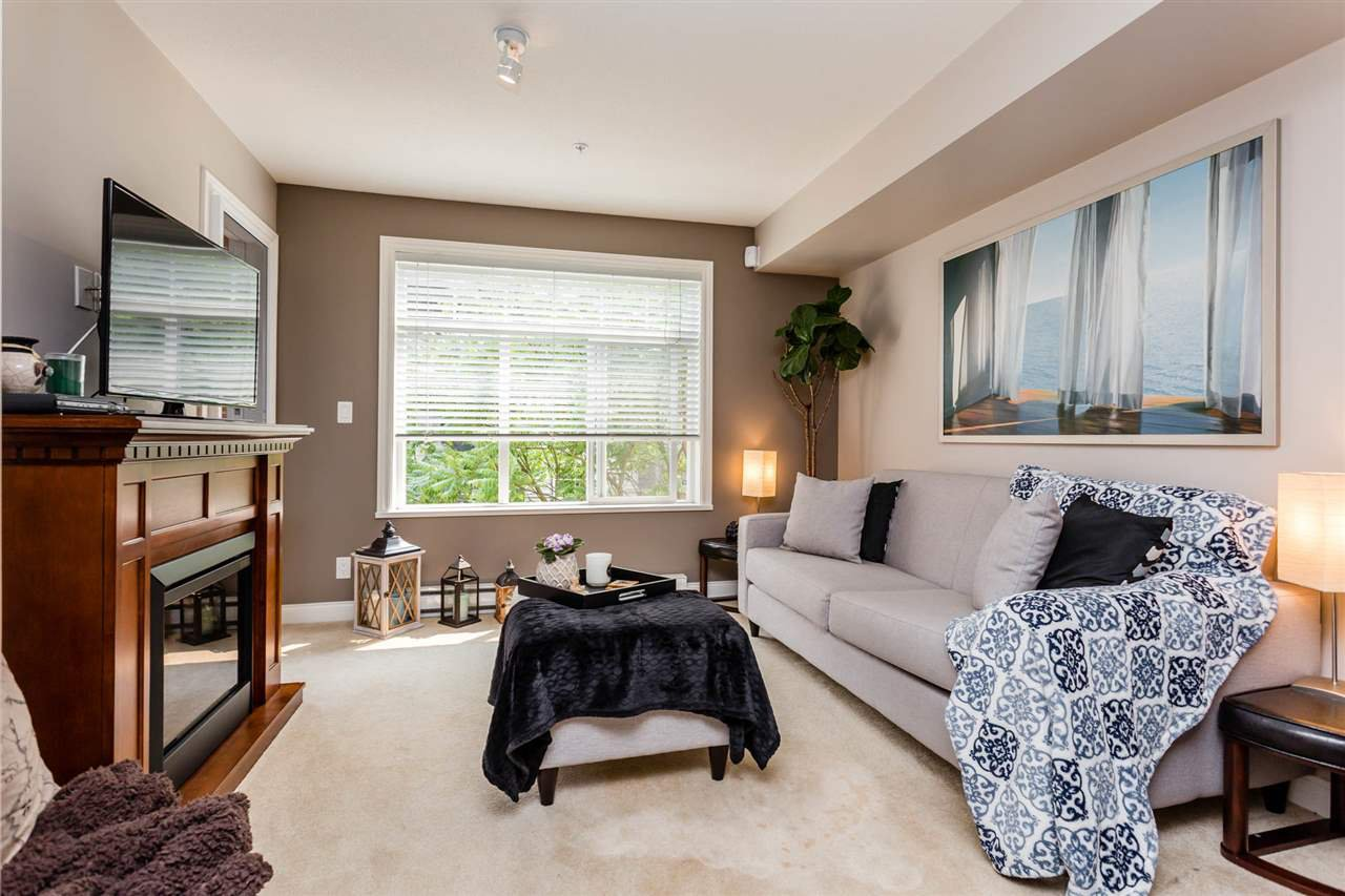 """Photo 9: Photos: 315 5516 198 Street in Langley: Langley City Condo for sale in """"Madison Villas"""" : MLS®# R2195202"""