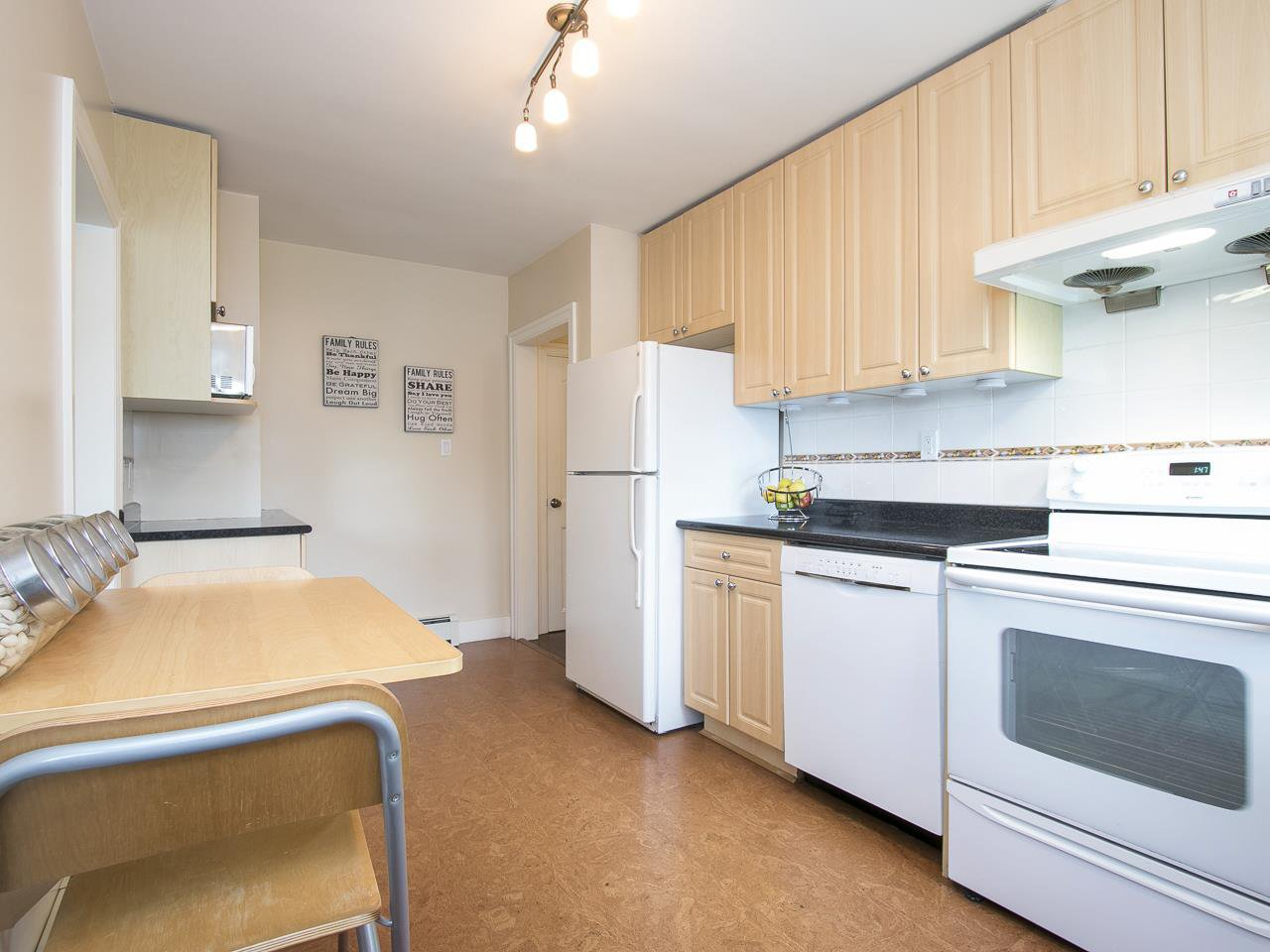 Photo 7: Photos: 731 W KING EDWARD AVENUE in Vancouver: Cambie House for sale (Vancouver West)  : MLS®# R2204992