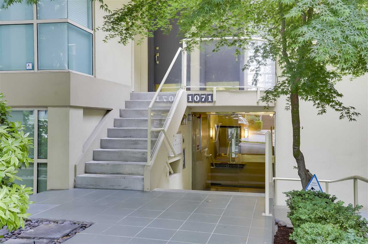 Main Photo: 1 1071 W 7TH Avenue in Vancouver: Fairview VW Condo for sale (Vancouver West)  : MLS®# R2275311