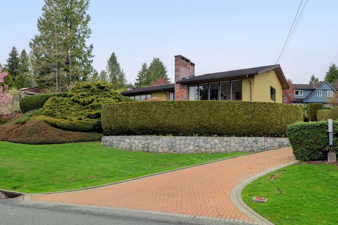 Main Photo: 1225 RENTON Road in West Vancouver: British Properties House for sale : MLS®# R2357527
