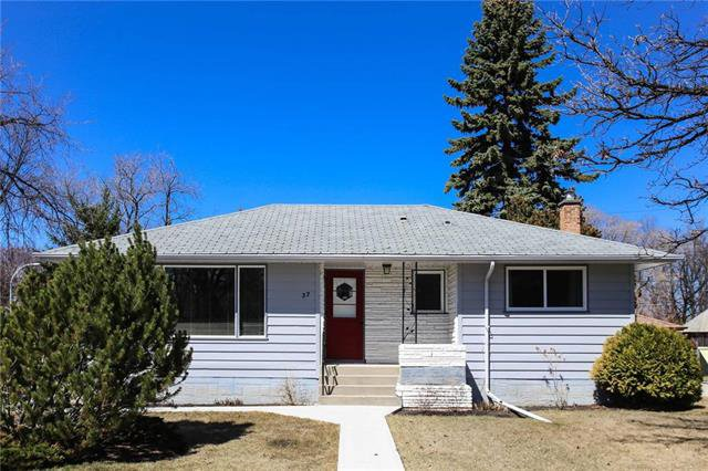 Main Photo: 37 St Vital Road in Winnipeg: Residential for sale (2C)  : MLS®# 1909617