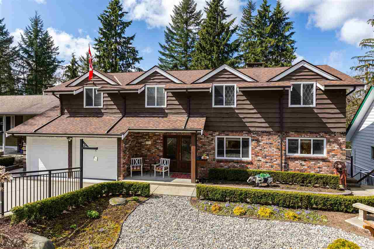 Main Photo: 984 KINSAC Street in Coquitlam: Coquitlam West House for sale : MLS®# R2449966