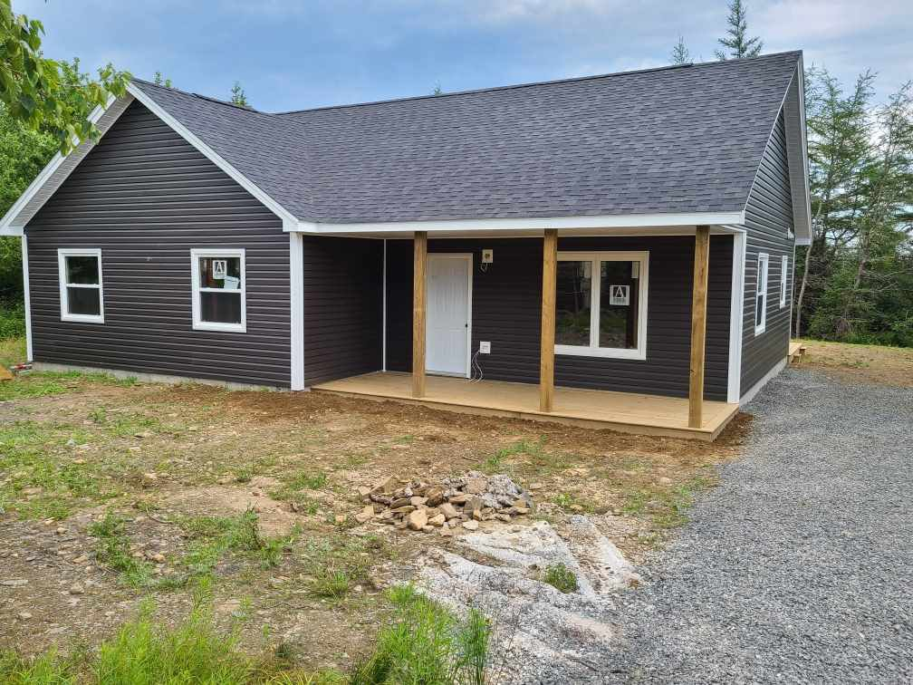 Main Photo: 14 McIntyre Drive in East Lawrencetown: 31-Lawrencetown, Lake Echo, Porters Lake Residential for sale (Halifax-Dartmouth)  : MLS®# 202014326
