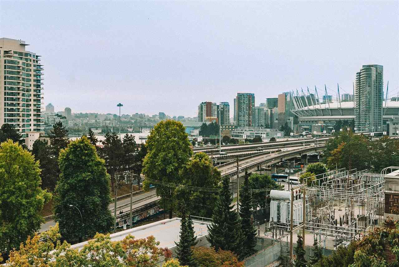 "Main Photo: 702 718 MAIN Street in Vancouver: Strathcona Condo for sale in ""Ginger"" (Vancouver East)  : MLS®# R2525569"