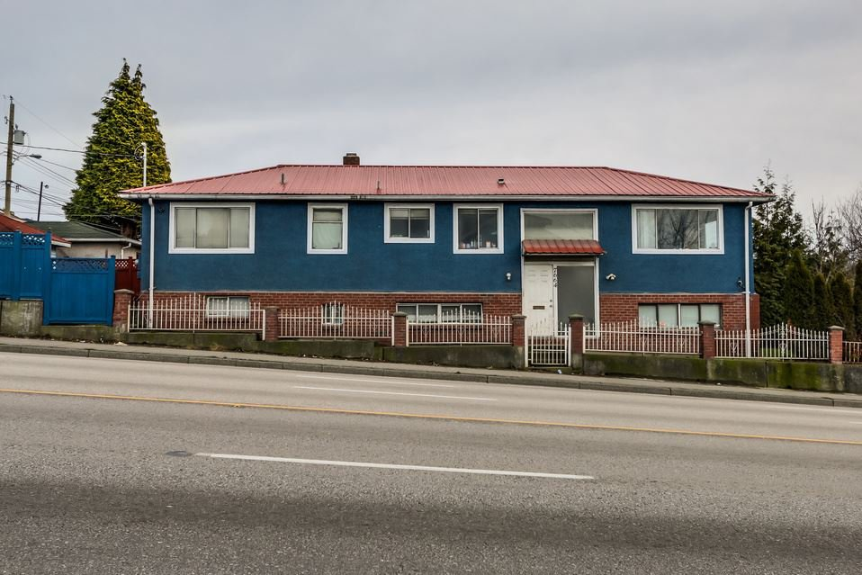"""Main Photo: 7664 KNIGHT Street in Vancouver: Fraserview VE House for sale in """"FRASERVIEW"""" (Vancouver East)  : MLS®# R2027189"""