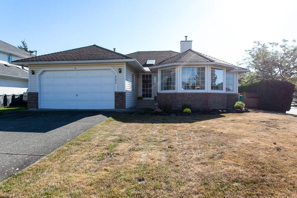 "Main Photo: 6204 186 Street in Surrey: Cloverdale BC House for sale in ""Eagle Crest"" (Cloverdale)  : MLS®# R2102638"