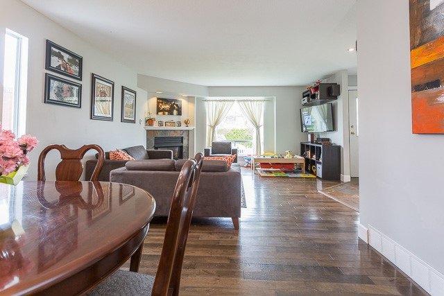 Photo 6: Photos: 20147 HAMPTON Street in Maple Ridge: Southwest Maple Ridge House for sale : MLS®# R2149870