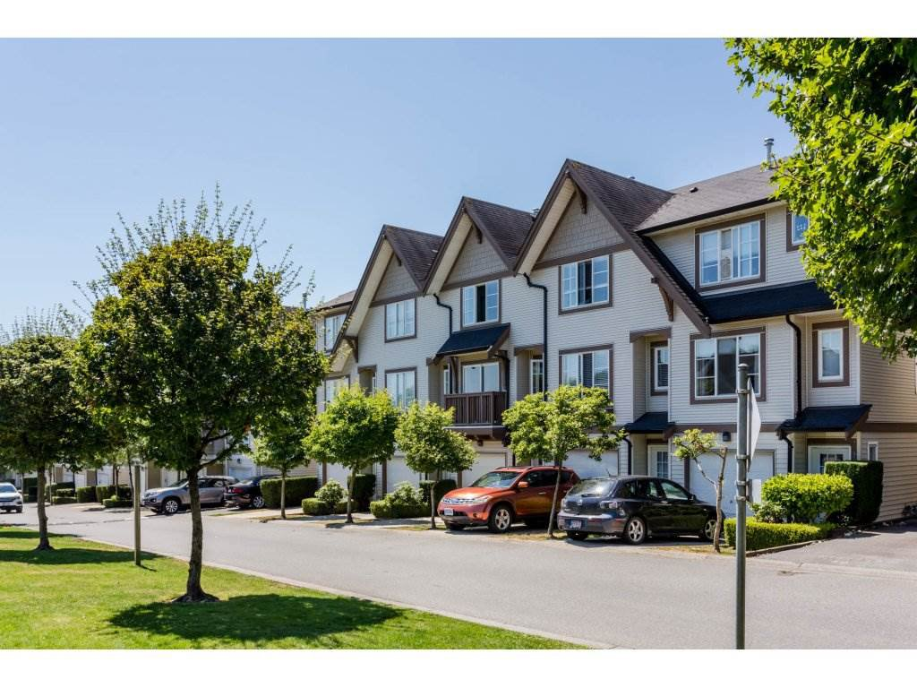"""Main Photo: 91 20540 66 Avenue in Langley: Willoughby Heights Townhouse for sale in """"Amberleigh"""" : MLS®# R2191971"""