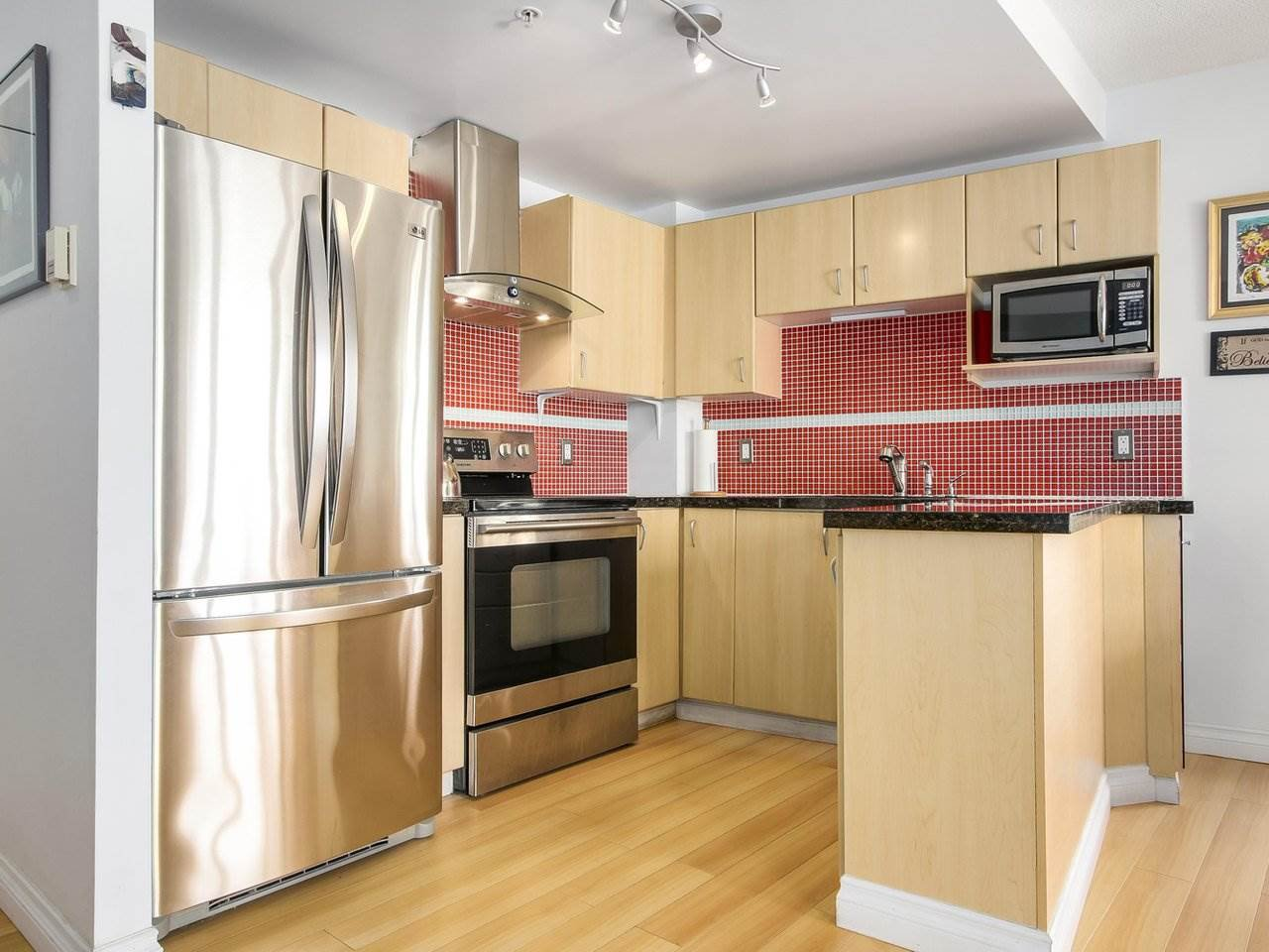 """Photo 12: Photos: 801 121 W 15TH Street in North Vancouver: Central Lonsdale Condo for sale in """"ALEGRIA"""" : MLS®# R2196958"""