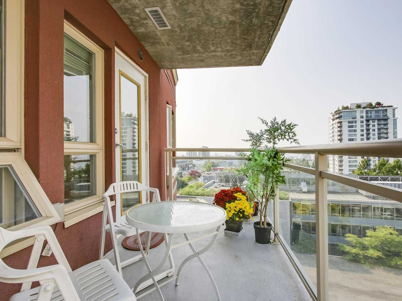 """Photo 3: Photos: 801 121 W 15TH Street in North Vancouver: Central Lonsdale Condo for sale in """"ALEGRIA"""" : MLS®# R2196958"""