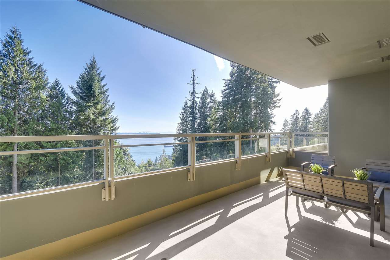 "Main Photo: 402 3335 CYPRESS Place in West Vancouver: Cypress Park Estates Condo for sale in ""STONECLIFF"" : MLS®# R2213737"