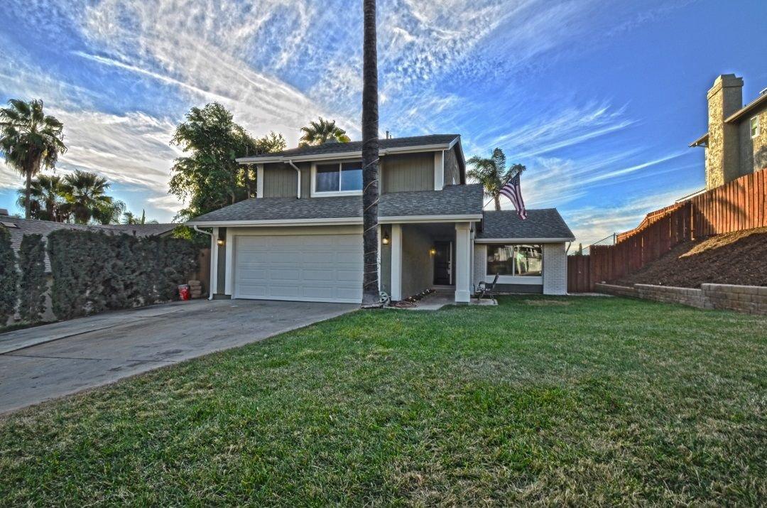 Main Photo: EL CAJON House for sale : 4 bedrooms : 8306 Solomon Ave
